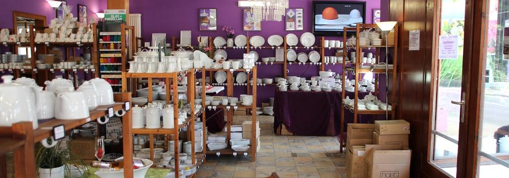 Innenansicht vom Porzellan Store Werksverkauf Halle von Holst Porzellan