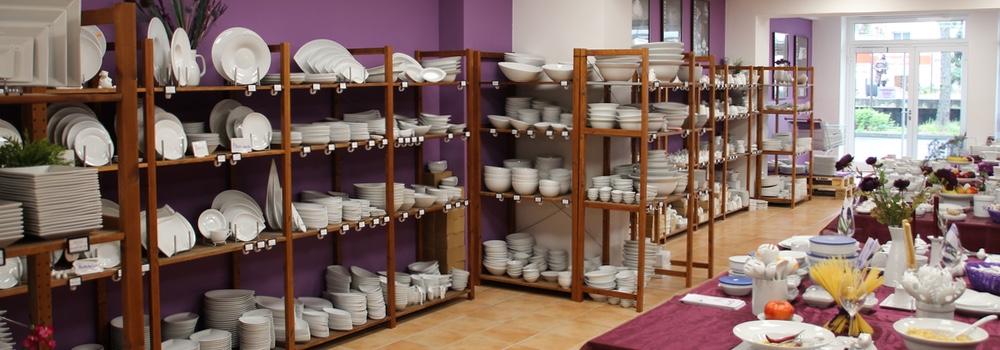 Geschirr für den Einsatz in der Gastronomie im Werksverkauf Köln