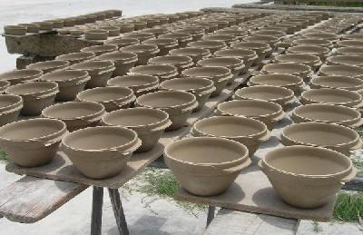 Trocknungsvorgang bei der Herstellung von Porzellan