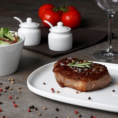 Steak & Fleischgerichte servieren