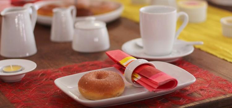 Kaffeegedecke aus weißem Porzellan kompetent & günstig kaufen!