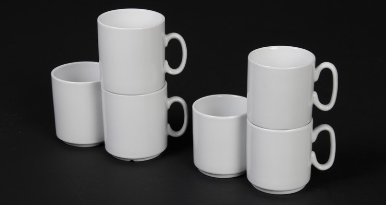 Stockable mugs in porcelain-buy competently and for a good price!