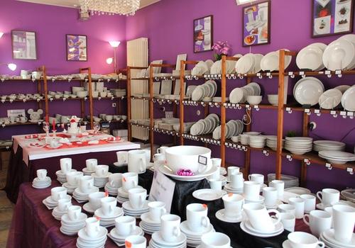 Sortimentsvielfalt im Porzellan Store Werksverkauf Halle von Holst Porzellan